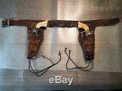 1939-40 KILGORE AMERICAN Cap Gun Set With tooled Leather Holster Belt Fantastic