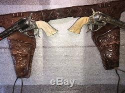 1939-40 KILGORE AMERICAN Cap Gun Set With tooled Leather Holster Belt Fantastic
