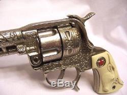 1940 Hubley Cast Iron Texan Cap Gun Unfired with Original Box Nice