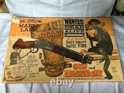 1950'S MARE'S LAIG WANTED DEAD OR ALIVE GUN & HOLSTER SET by MARX MCQUEEN