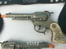 1950 Wyandotte HOPALONG CASSIDY Double Holster and 9 CAP GUN SET