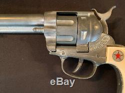 1950's Hubley COWBOY Toy Cap Gun Red Star Steer Grips Long Barrel Excellent