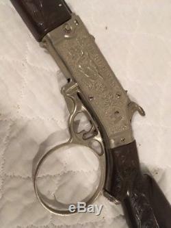 1958 Hubley RIFLEMAN Winchester FLIP SPECIAL cap gun TOY RIFLE