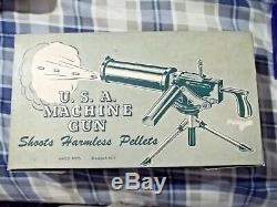 1960's MACO 12 TRIPOD MACHINE GUN MODEL #250 FIRES HARMLESS PELLETS ORANGE PLUG