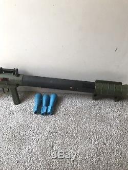 1960's Original REMCO MARINE RAIDER BAZOOKA GUN with MISSILES
