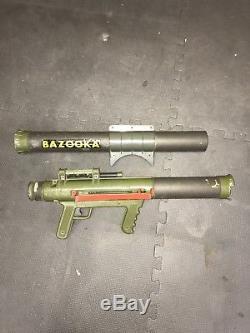 1960's Original REMCO MARINE RAIDER BAZOOKA GUN with MISSILES STICKER