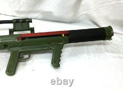 1961 Vintage Remco Marines USMC Marine Raider Bazooka Toy Gun & 1 Shell Rocket