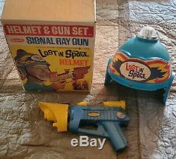 1966 LOST IN SPACE Irwin Allen REMCO HELMET & GUN SET Complete In The BOX-Nice