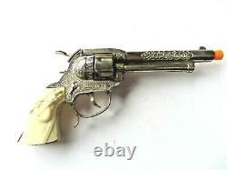 1990's copy of 1960's Leslie Henry Gunsmoke cap gun in working order