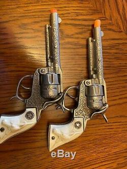 Beautiful Keyston Cap Gun Holster With Two Cast Iron Hubley Texans