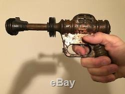 Buck Rogers XZ-38 Disintegrator Pistol, 1935 Daisy Mfg, Vintage toy spark gun