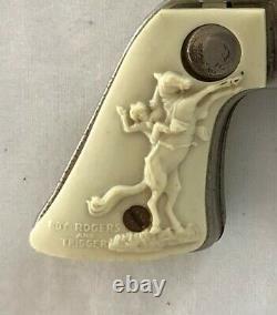 CG356- 1945 Roy Rogers. 45 Caliber 50-Shot Cap Gun by Balantyne