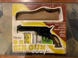 Daisy model 179 Peacemaker Six Gun BB pistol with holster and box