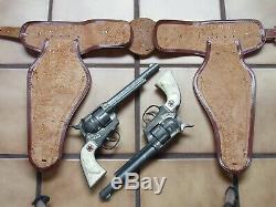 Gunfighter Large Leather Double Holster + 2 Big Cowboy Die Cast Cap Guns