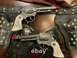 Hopalong Cassidy Cap gun set and holster with matching Hoppy gloves