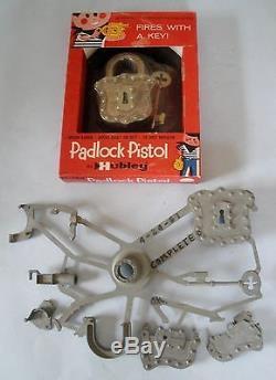 Hubley Padlock Pistol Gun NIB + Super Rare Padlock Pistol Still In Casting Tree