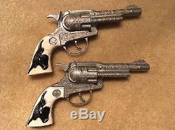 Hubley Texan Jr & Halco Leslie-Henry Wagon Train Metal TOY Cap Guns + Holster