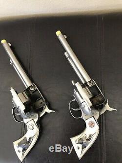 Hubley WESTERN Toy Cap Gun Die Cast Cowboy Gun Pistol Pair 1960s Fast Shipping