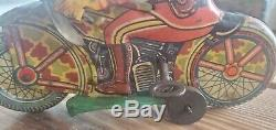LOUIS MARX & CO MOTORCYCLE TOY Soldier with Gun windup MOTORCYCLE Litho Tin Toy