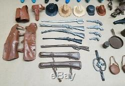 Lot Johnny West Calvary Custer Horses Guns Accessories Louis Marx 12 Figures