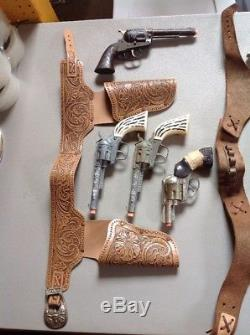 Lot Of 11 Cap Guns & Holsters Fanner Shootin Shell Cowhand Stallion 38 Daisy