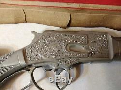 MARX ROY ROGERS WINCHESTER PLASTIC RIFLE TOY GUN 1950s with ORIGINAL BOX