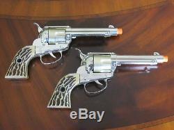 Mattel Shootin' Shell Frontier Double Holster & Cap Guns Set withBox Excellent