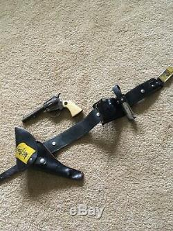 RARE Rin Tin Tin Leather Holster Set With Cap Gun & Telescope