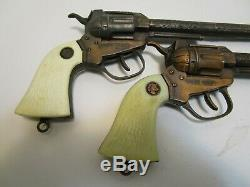RARE VINTAGE ACTOY WYATT EARP BUNTLINE SPECIAL COPPER CLAD CAP GUNS WithHOLSTER