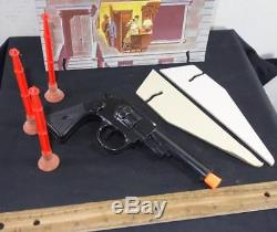 RARE Vintage 1965 Ideal The Man From Uncle Target Game Dart Gun