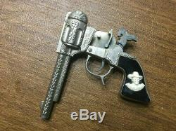 Rare Hopalong Cassidy Schmidt Cap Gun Toy Cowboy Western Die Cast Vintage Grips