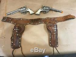Rare Vintage Sheriff Bob Dixon Original 1950 Hubley Cowboy Toy Cap Guns Holster
