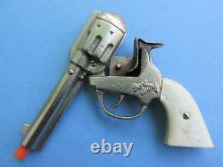 Superb Gene Autry Bust Logo Repro Holster And Kilgore Cast Iron Cap Gun