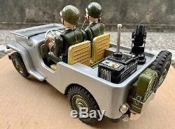 T. N NOMURA RADIO JEEP Tin Silver Army Machine Gun Battery Op. Japan Anni 60