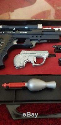 Topper Toys Multi-Pistol 09 1960's Secret Agent Bond Gun Attache Case Kit USA