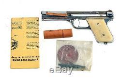 VINTAGE. 1937 SHARPSHOOTER BULLS EYE BULLSEYE MFG CO METAL PISTOL GUN With BOX