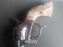 VINTAGE 1940's KILGORE AMERICAN CAST IRON CAP GUN