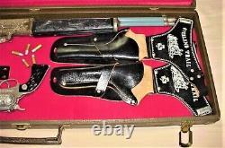 VINTAGE 1950's OREGON TRAIL, KELLY & FLIP'S GEAR, CAP GUNS, RIFLE, HARD CASE