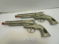 VINTAGE HUBLEY DEPUTY DUAL DIE CAST CAP GUNS WithSTUDDED JEWELLED LEATHER HOLSTER