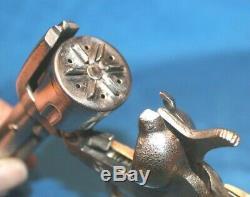 VINTAGE KILGORE CAST IRON LONG TOM CAP GUN UNFIRED WithORIG. BOX CA 1945