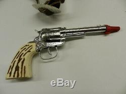 VINTAGE KUSAN CAP FIRING DELUXE DOUBLE HOLSTER SET With 2 CAP GUNS-TOY GUNBELT