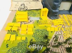 VINTAGE Marx Guns of Navarone Playset with Original Box 4302 & Play Mat EXTRAS