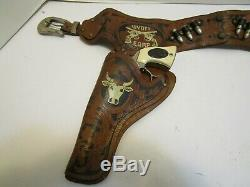 VINTAGE WYATT EARP GUN AND HOLSTER SET BY ESQUIRE NOVELTY COMPANY WithBOX