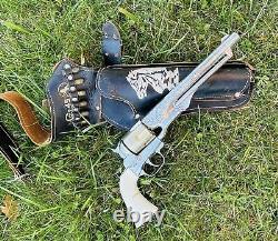 Vintage 1950's Hubley Colt 45 Toy Cap Revolver Gun w Bullets Belt Holster USA