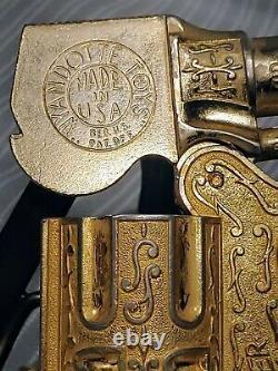 Vintage 1950's Wyandotte Toys, Toy Cap Gun Gold RED RANGER