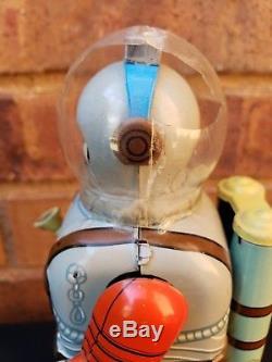 Vintage 1950s Nomura Tn Space Commando With Gun Tin Windup Robot Toy Japan