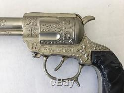 Vintage 1950s Wild Bill Hickok Gun Belt Holster and matching Cap Gun Very Rare