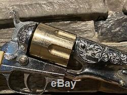 Vintage 1958 Hubley Colt 45 Cap Gun Toy Cowboy Western Die Cast In Box 6 Bullets