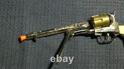 Vintage 1958 Hubley Colt 45 Cap Gun with Six 2-piece Bullets and Original Box
