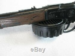 Vintage 1965 Mattel Planet of the Apes Rapid Fire Special toy machine gun